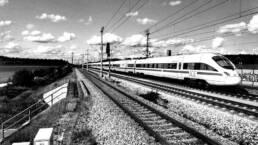 ICE auf Gleis vor Hannover